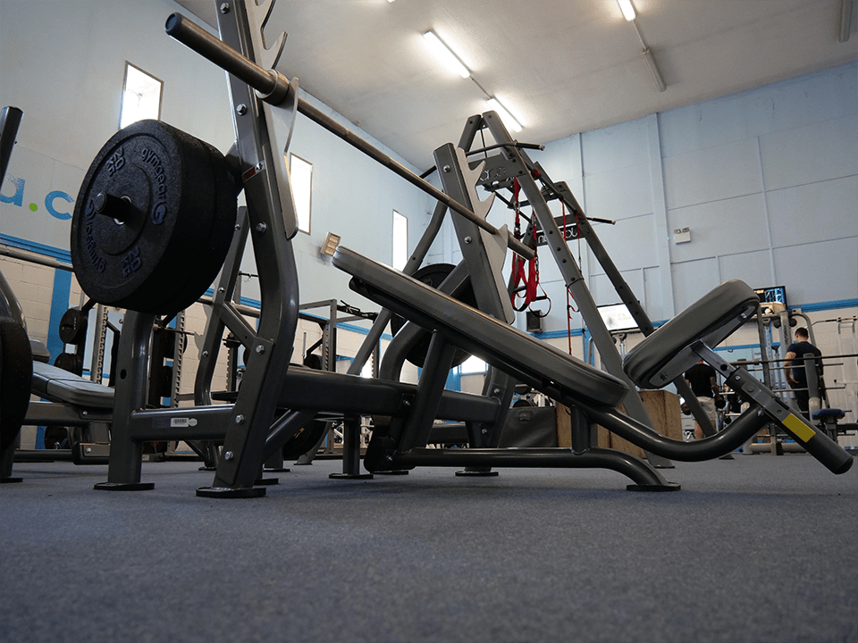 Incline weight bench at Vida Health and Fitness